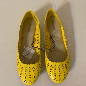 Wanted Shoes Women's Tulip Ballet Flat Size 8